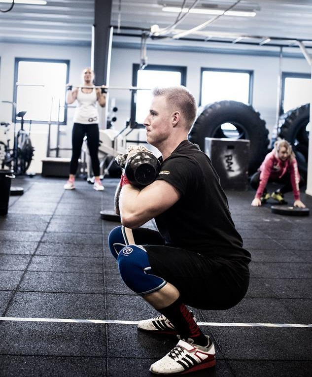 Träna Crossfit i Uppsala på Raw Training Center